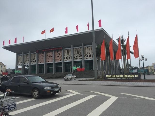 Trung tâm văn hóa tỉnh Quảng Trị thường là nơi diễn ra các sự kiện văn hóa lớn yên bình trong ngày đầu năm