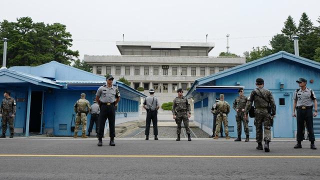 Hàn Quốc và Triều Tiên đang đàm phán tại làng đình chiến Panmunjom (Ảnh: EPA)