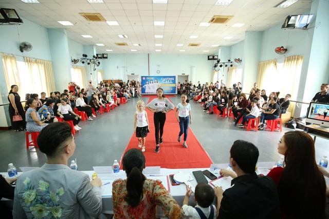 Chương trình thu hút sự tham gia của hơn 200 mẫu nhí trong và ngoài nước với độ tuổi từ 6 đến 16 tuổi.