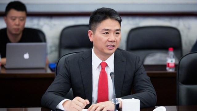 Ông Richard Liu Qiangdong đang cố tìm lại nguồn cội của mình. Tuy nhiên, ở Trung Quốc, có đến 65 triệu người có cùng họ Liu với ông. (Nguồn: Weibo)