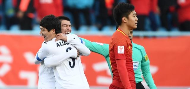 Nỗi buồn thất bại của cầu thủ U23 Trung Quốc