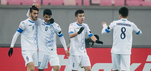 Uzbekistan giành vé đầu tiên vào bán kết