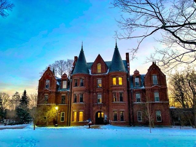 Khuôn viên trường đại học nữ sinh Wellesley.