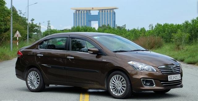 4. Suzuki Ciaz: Mẫu xe đến từ Suzuki cũng có doanh số ít ỏi với 1 xe được bán ra trong tháng 12/2017.
