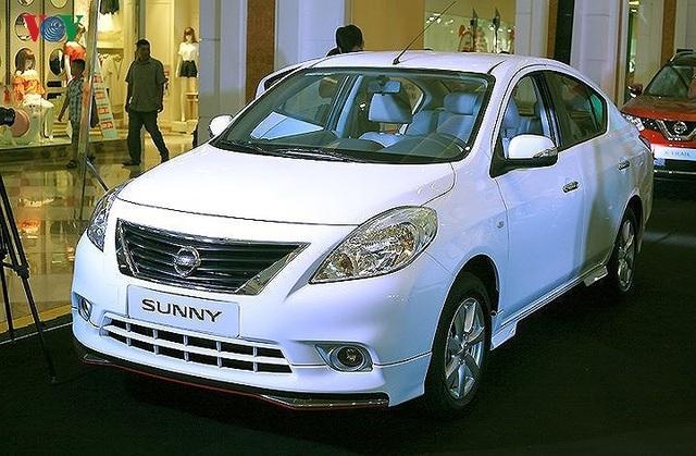 7. Nissan Sunny: Đứng thứ 7 trong danh sách với 10 xe được bán ra là Nissan Sunny.
