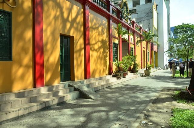 Điểm giữ xe số 98 Nam Kỳ Khởi Nghĩa, phường Bến Nghé đã bị dẹp bỏ đến nay sạch đẹp, không có tình trạng lấn chiếm