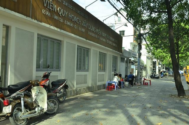 Bãi giữ xe trước số 65 Mạch Đỉnh Chi (phường Đa Kao) cũng đã được dẹp bỏ