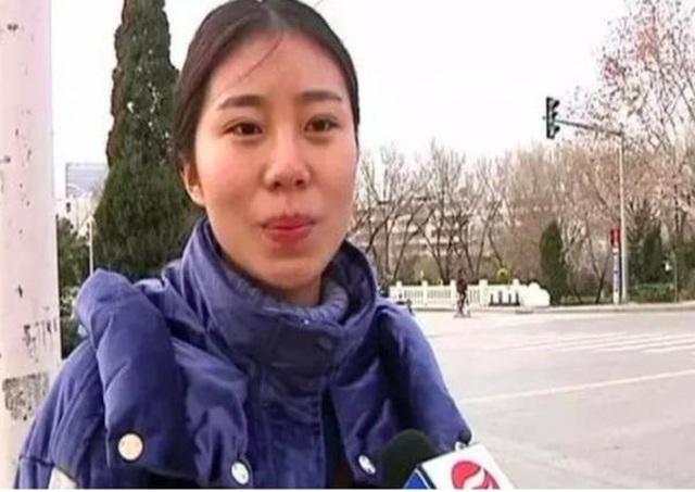 Cô gái bị bỏ rơi lên sóng truyền hình để mời cha mẹ ruột tới dự hôn lễ - 1
