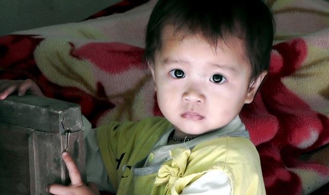 Thương bé gái mới 2 tuổi đã bị ung thư, mẹ lại bị suy tim nặng - 2