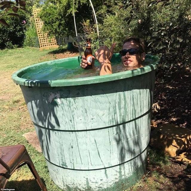 Australia nóng kỷ lục gần 50 độ C, nhựa đường tan chảy - 4
