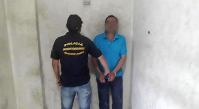 Cha mẹ ác nhân cho chủ nhà cưỡng hiếp con gái 15 tuổi để miễn tiền thuê nhà - 2