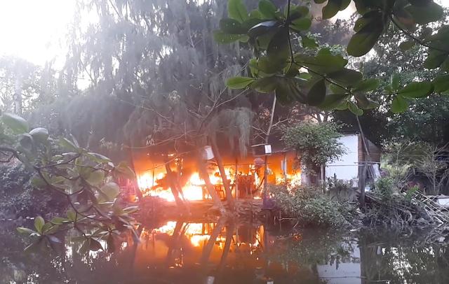 cháy ở khu câu cá giải trí