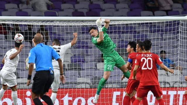 Đội tuyển Việt Nam sẽ chơi với đội hình nào trước Jordan?  - 2