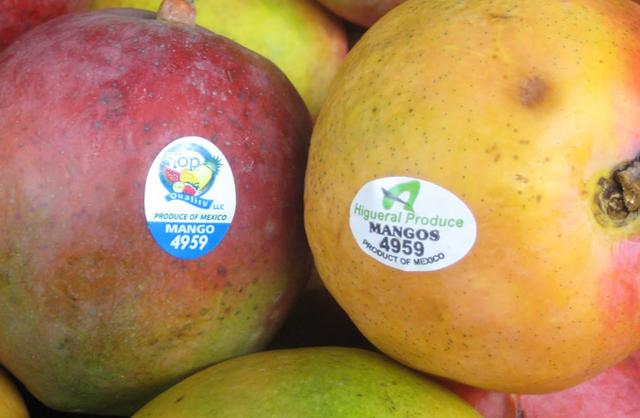 Mua trái cây nhập ngoại, đừng quên kiểm tra dãy số này trên tem - 1