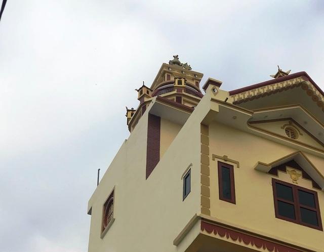 Cận cảnh ngôi nhà 5 tầng nghiêng như tháp nghiêng Pisa - 7