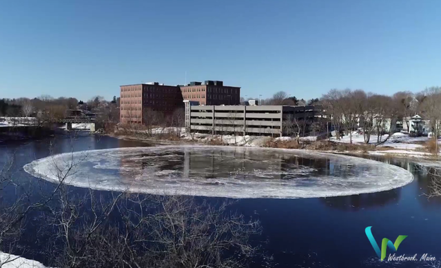 Bí ẩn vòng băng khổng lồ tròn vành vạnh trên sông Mỹ - 3
