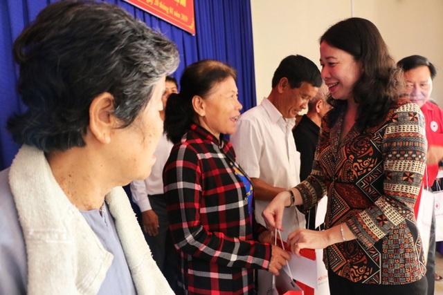 Chủ tịch MTTQ Việt Nam tặng quà Tết cho hộ nghèo, gia đình chính sách - 2