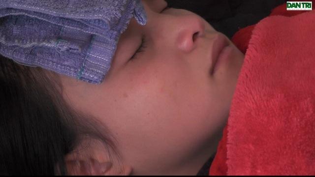 Thương bé gái mới 2 tuổi đã bị ung thư, mẹ lại bị suy tim nặng - 11
