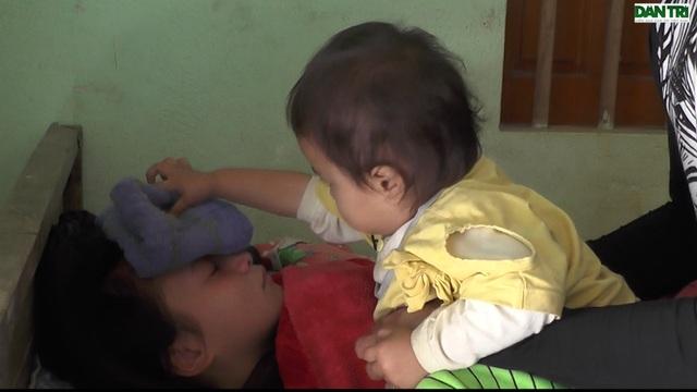 Thương bé gái mới 2 tuổi đã bị ung thư, mẹ lại bị suy tim nặng - 10