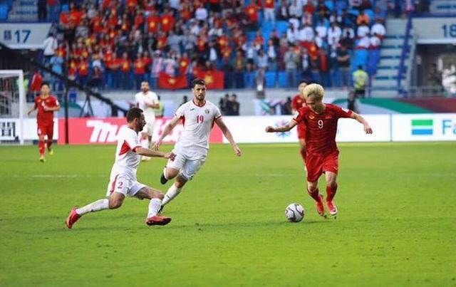 Thắng Jordan trên loạt luân lưu, đội tuyển Việt Nam vào tứ kết Asian Cup 2019 - 1