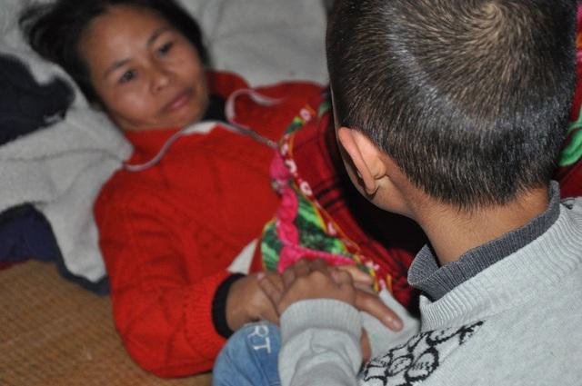 Nghẹn lòng cậu bé lớp 3 chăm mẹ câm điếc, bệnh tật trong căn nhà nát - 3