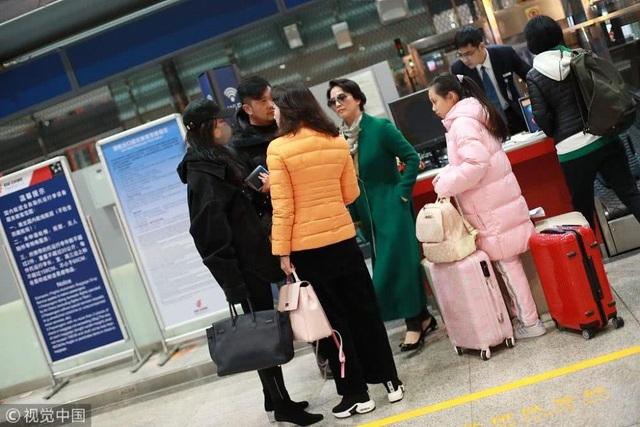 Hậu chia tay Song Seung Hun, Lưu Diệc Phi sống kín đáo và kép kín - 4