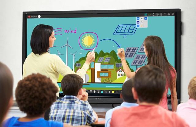 Bước tiến mới - Ứng dụng màn hình tương tác thông minh trong giảng dạy - 1