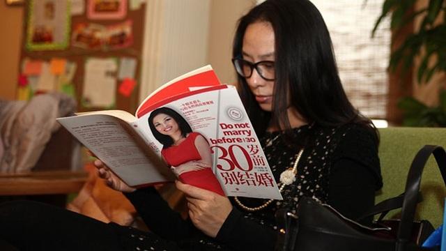 Công ty Trung Quốc cho nhân viên nữ nghỉ thêm 8 ngày để... thoát ế! - 3