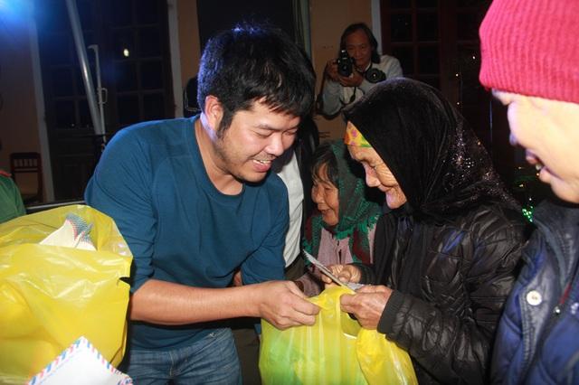 """Xúc động đêm giao lưu """"Xuân ấm Đèo Ngang"""" giúp bà con nghèo Hà Tĩnh đón Tết - 14"""