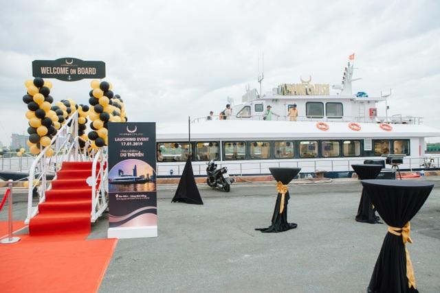 Du thuyền 4 sao chuẩn quốc tế ra mắt tại Sài Gòn  - 2
