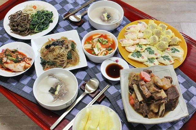 Những món ăn cầu năm mới may mắn, bình an của người dân khắp châu Á - 4