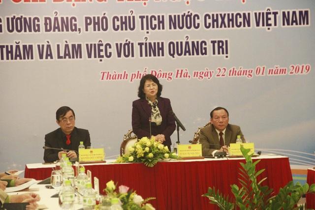 Phó Chủ tịch nước trao quà Tết cho người dân vùng biên giới Quảng Trị - 10