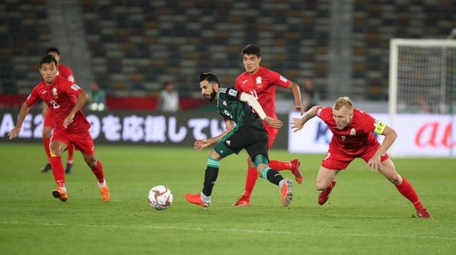 Thắng nhọc nhằn Kyrygyzstan, UAE gặp Australia ở tứ kết - 1
