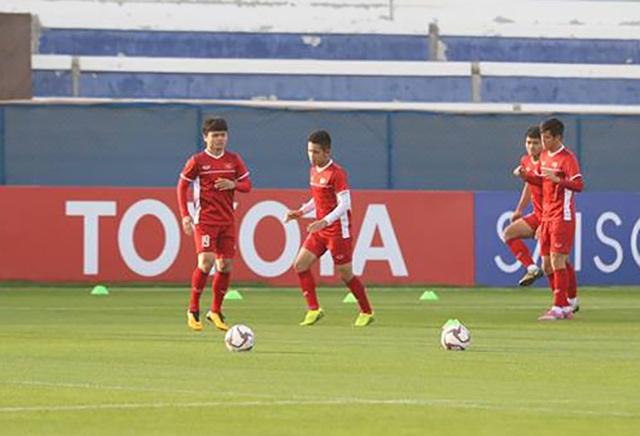 Quang Hải nói gì trước những lời mời sang nước ngoài thi đấu?