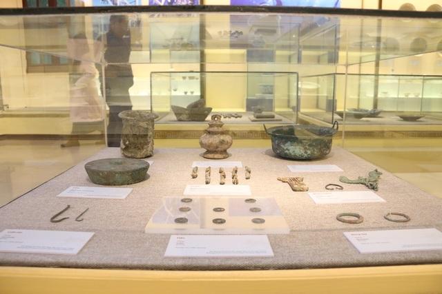 Chiêm ngưỡng cổ vật vớt từ tàu chìm dưới đáy đại dương Việt Nam - 9
