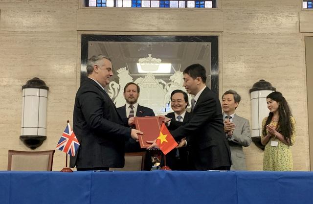 Viện Kế toán Công chứng Anh và xứ Wales ký kết Bản ghi nhớ hợp tác với Bộ GD-ĐT - 1