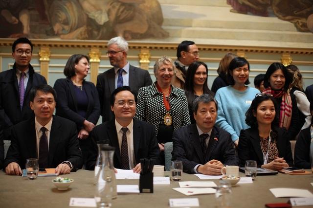Viện Kế toán Công chứng Anh và xứ Wales ký kết Bản ghi nhớ hợp tác với Bộ GD-ĐT - 2
