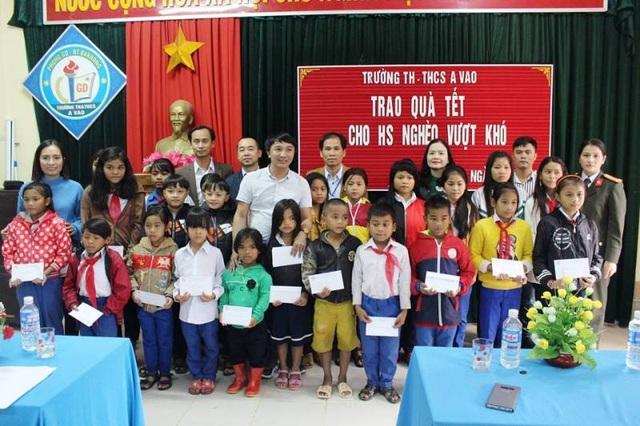 Quảng Trị: Trao hàng trăm suất quà Tết cho học sinh vùng khó khăn - 2