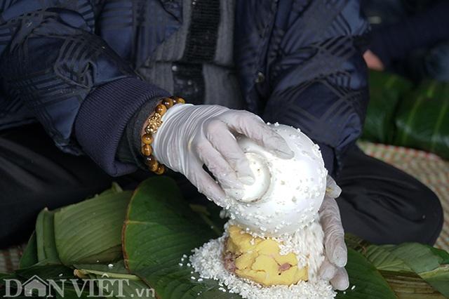 Làng gói bánh chưng lớn nhất Hà Nội tất bật vào vụ Tết - 1