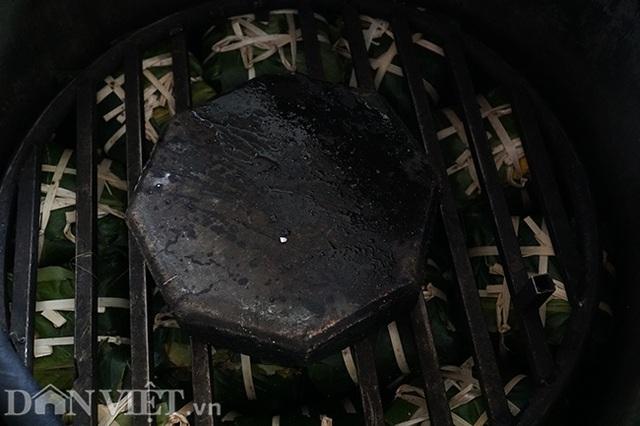Làng gói bánh chưng lớn nhất Hà Nội tất bật vào vụ Tết - 11