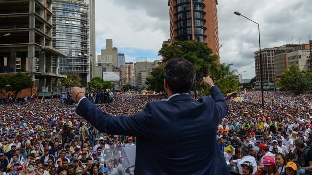 Biểu tình bùng phát tại Venezuela sau khi lãnh đạo đối lập tự nhận là tổng thống lâm thời - 10