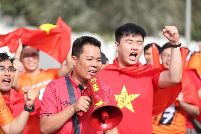 Việt Nam 0-1 Nhật Bản: Thua trong thế ngẩng cao đầu - 27