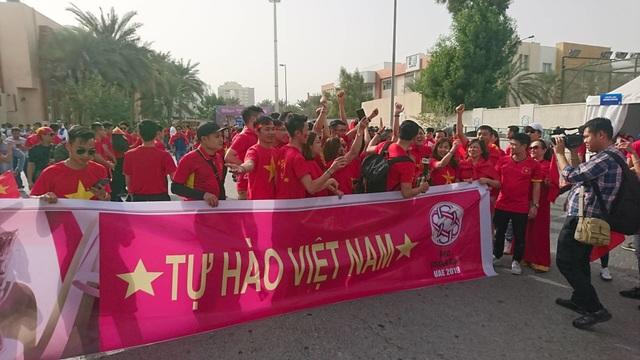 Việt Nam 0-1 Nhật Bản: Thua trong thế ngẩng cao đầu - 20