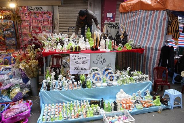 Chợ hoa phố cổ Hà Nội nhộn nhịp đón Tết - 11