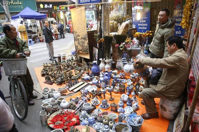 Chợ hoa phố cổ Hà Nội nhộn nhịp đón Tết - 12