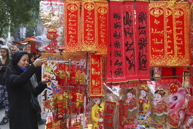 Chợ hoa phố cổ Hà Nội nhộn nhịp đón Tết - 3