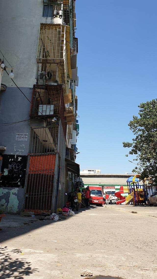 """Hình ảnh chung cư nghiêng dọa sập khiến 38 hộ dân """"tháo chạy"""" ngay cận Tết - 14"""