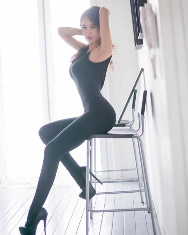 Không cần hở hang, chỉ mặc jean cô gái Hàn cũng khoe được đường cong thần thánh - 12..jpg