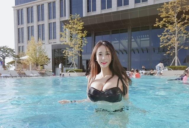 Không cần hở hang, chỉ mặc jean cô gái Hàn cũng khoe được đường cong thần thánh - 16..jpg