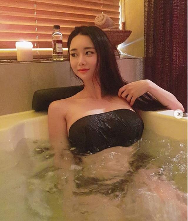 Không cần hở hang, chỉ mặc jean cô gái Hàn cũng khoe được đường cong thần thánh - 17..jpg